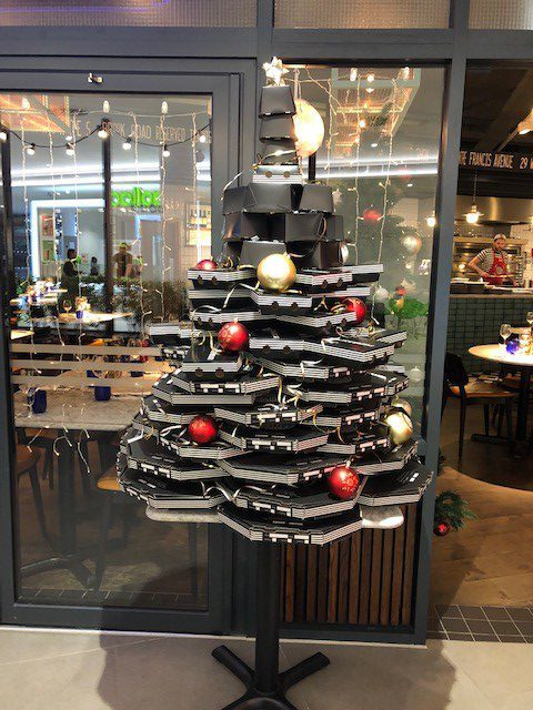 Pizza Express in Bh2 have made their tree out of pizza boxes!